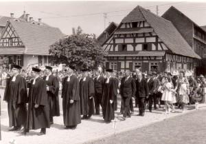 Einzug in die neue Auferstehungskirche 8.7.1962